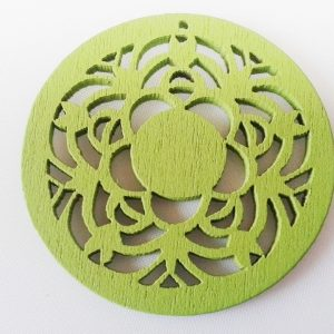 Pack of 5 Wooden Pendants Green Filigree
