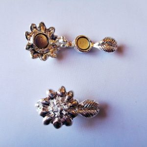 Silver Tone Flower Magnetic Clasp 24mm