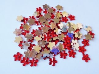 100 x 10mm Acrylic Gem Flowers Red