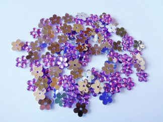100 x 10mm Acrylic Gem Flowers Lilac