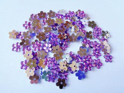 100 x 10mm Acrylic Gem Flowers Lilac