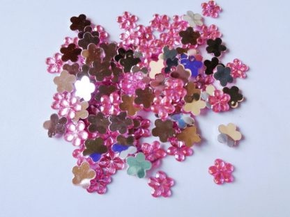 100 x 10mm Acrylic Gem Flowers Pink