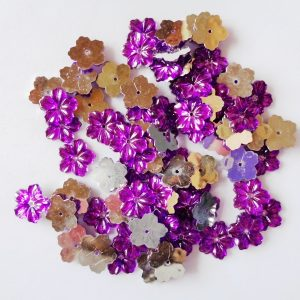 75 x 12mm Acrylic Petal Flowers Purple