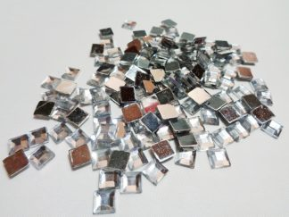 150 x 6mm Acrylic Squares Silver