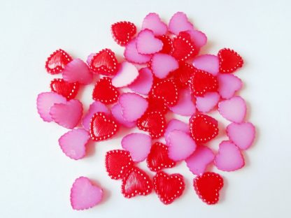 50 x 10mm Striped Pearl Hearts Red