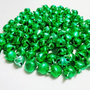 100 x 8mm Metal Bells Green